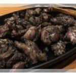 真っ黒な鶏の炭火焼きは宮崎県民熱愛グルメ!人気店「ぐんけい」のとりの炭火焼きレシピと通販お取り寄せ方法【ケンミンショー】