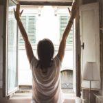 便秘解消する朝だけ腸活で美肌に!?水・ヨーグルト・オリーブオイル・体操の方法とは【世界一受けたい授業】