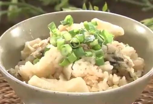 炊飯器に冷凍餃子丸ごとのおかずごはんレシピ