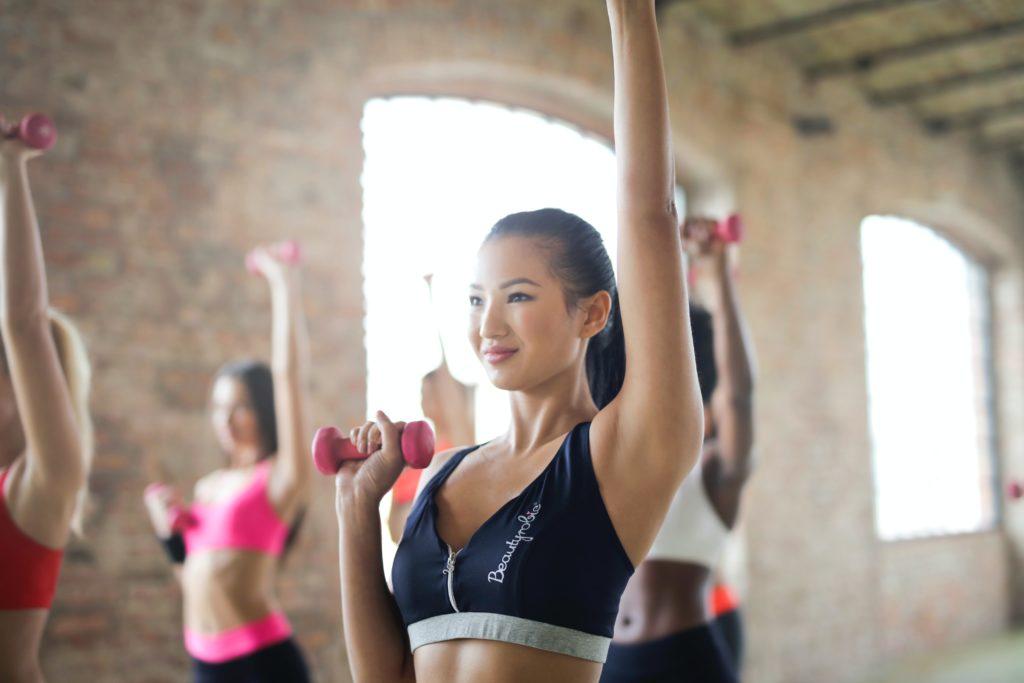 【1ヶ月間健康ダイエット】筋トレで足を太くしない方法はストレッチ!?挑戦5日目の体重や食事内容など