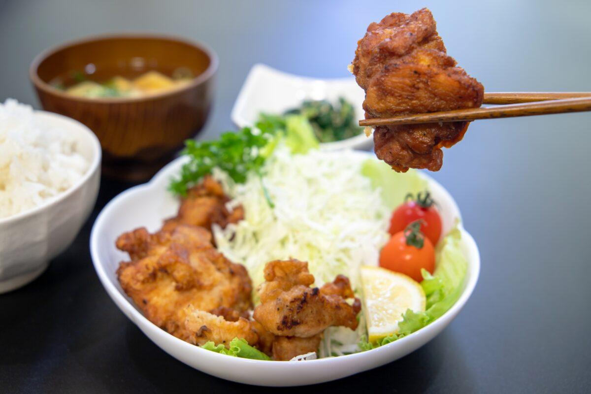 40才からのダイエット痩せる為のお昼ご飯のおすすめは唐揚げ定食!?