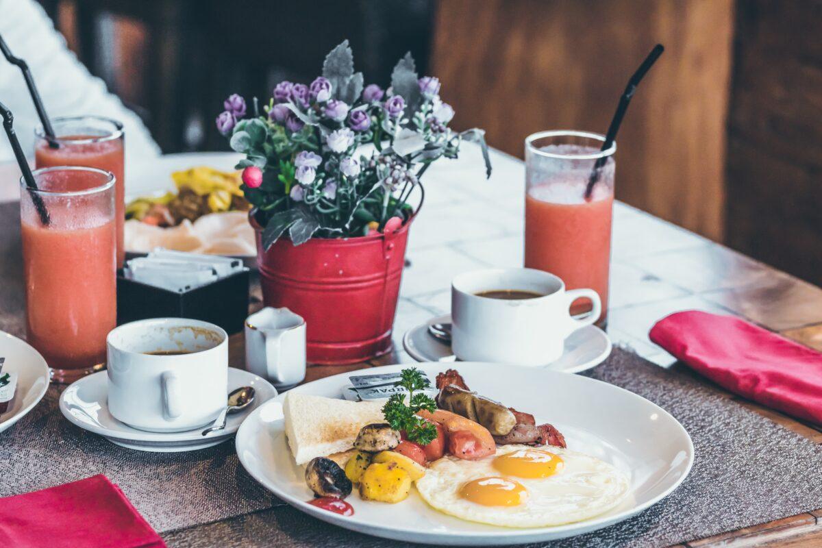 【1日の食事】ダイエット中の朝昼晩は何を食べる?順番で太りにくくしよう【40代で痩せる】